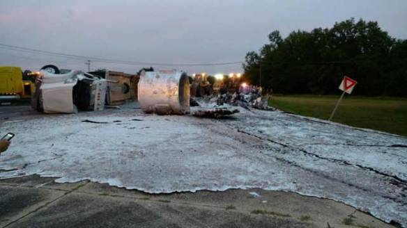 Molten Aluminum Spill the Most Metal Damn Thing to Happen In
